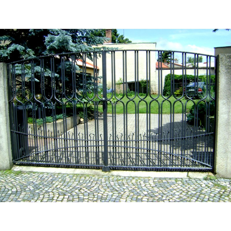 Kovaná brána - moderní design