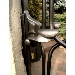 Kovaná brána - klika